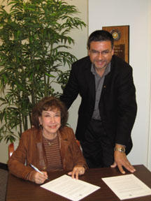 Maria Duke Dos Santos with CEMA Director Sal Güereña, 2006