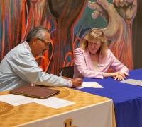 La Casa de la Raza signing